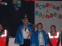 Prinz Raimund (Schenk) und Prinzesin Rapaela (Elpers) regieren
